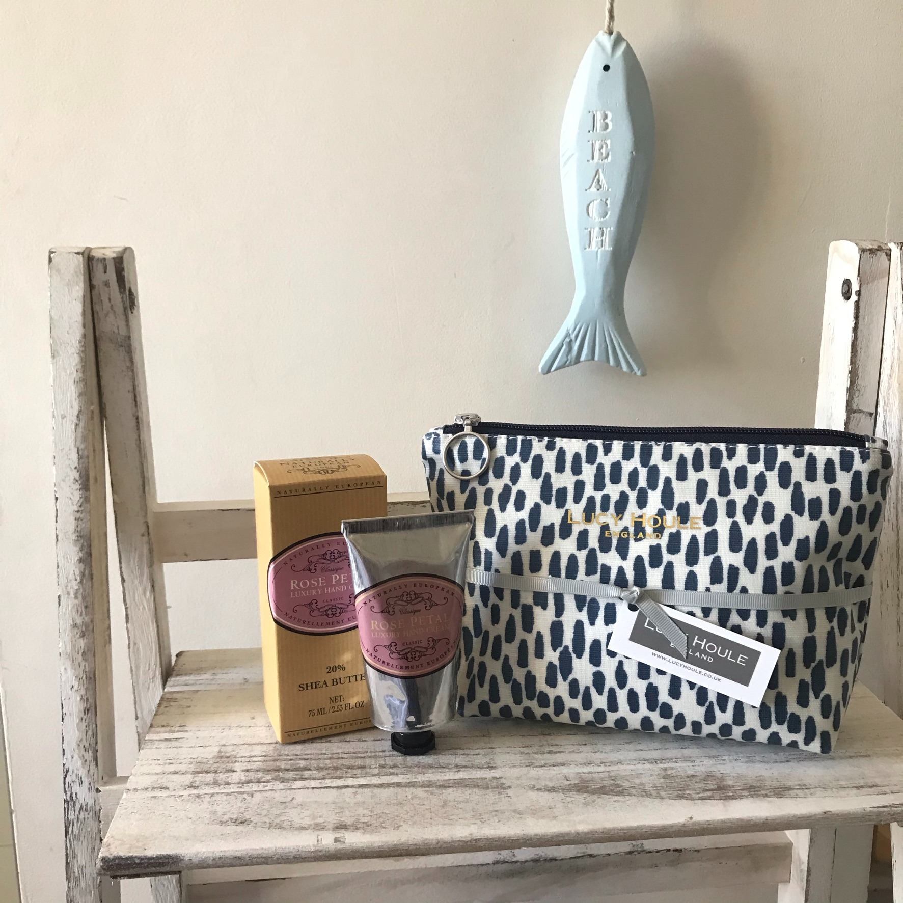 WASH BAG GIFT SETS