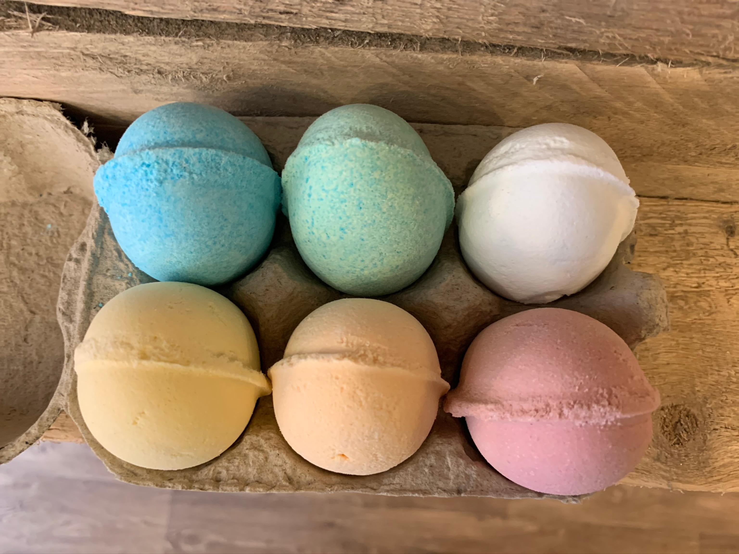 Vegan Bath Bomb Eggs