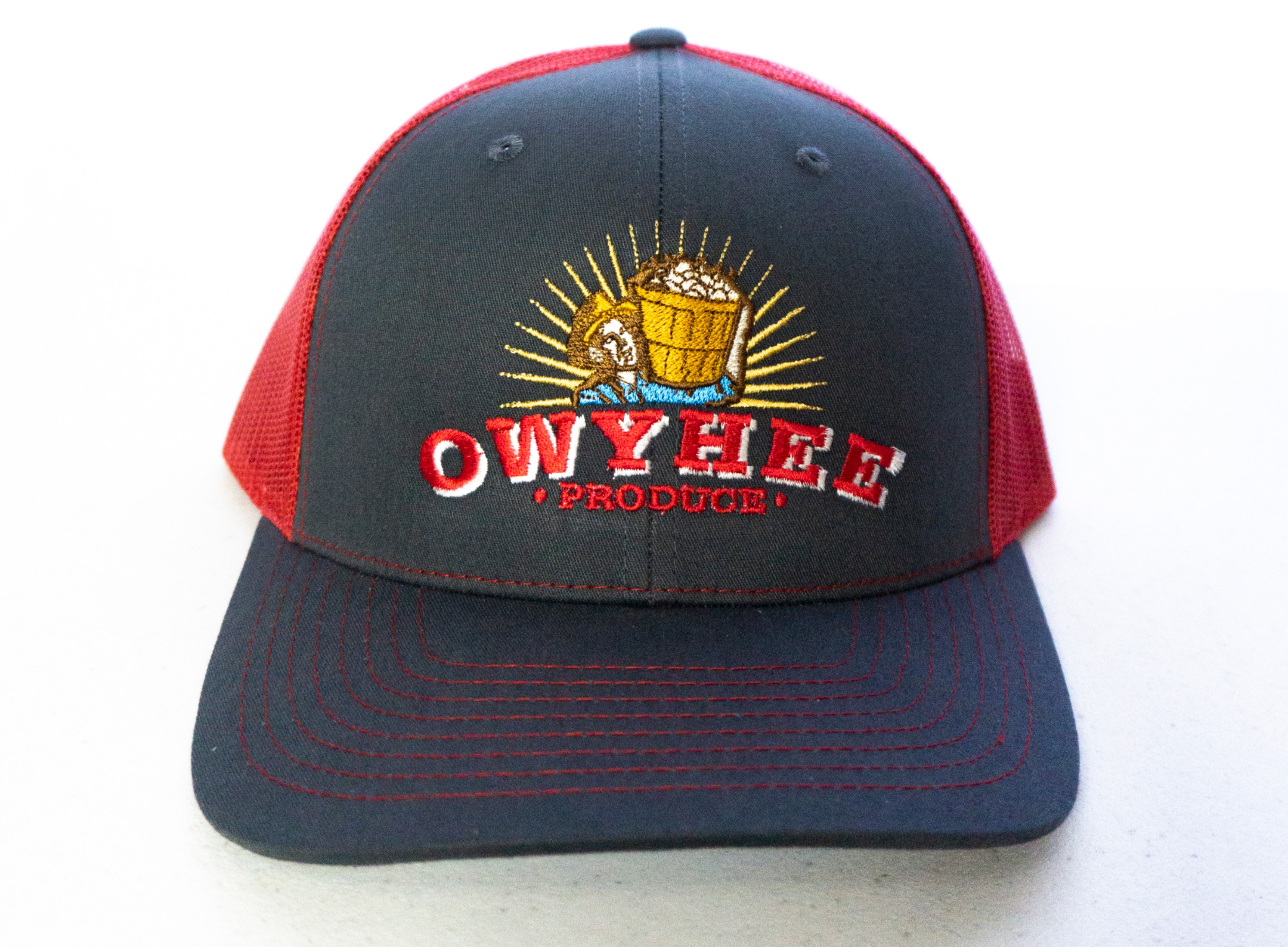 112 Richardson Trucker Cap - Split Charcoal/Red.