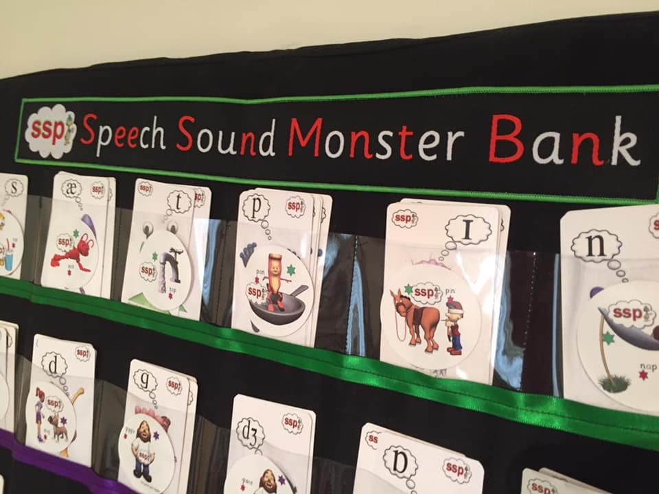 AMAZING ! Speech Sound Monster (Spelling) Bank - Simply insert corflute / card to stand