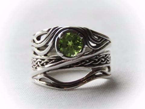 Sterling Siver Celtic Peridot Band Ring