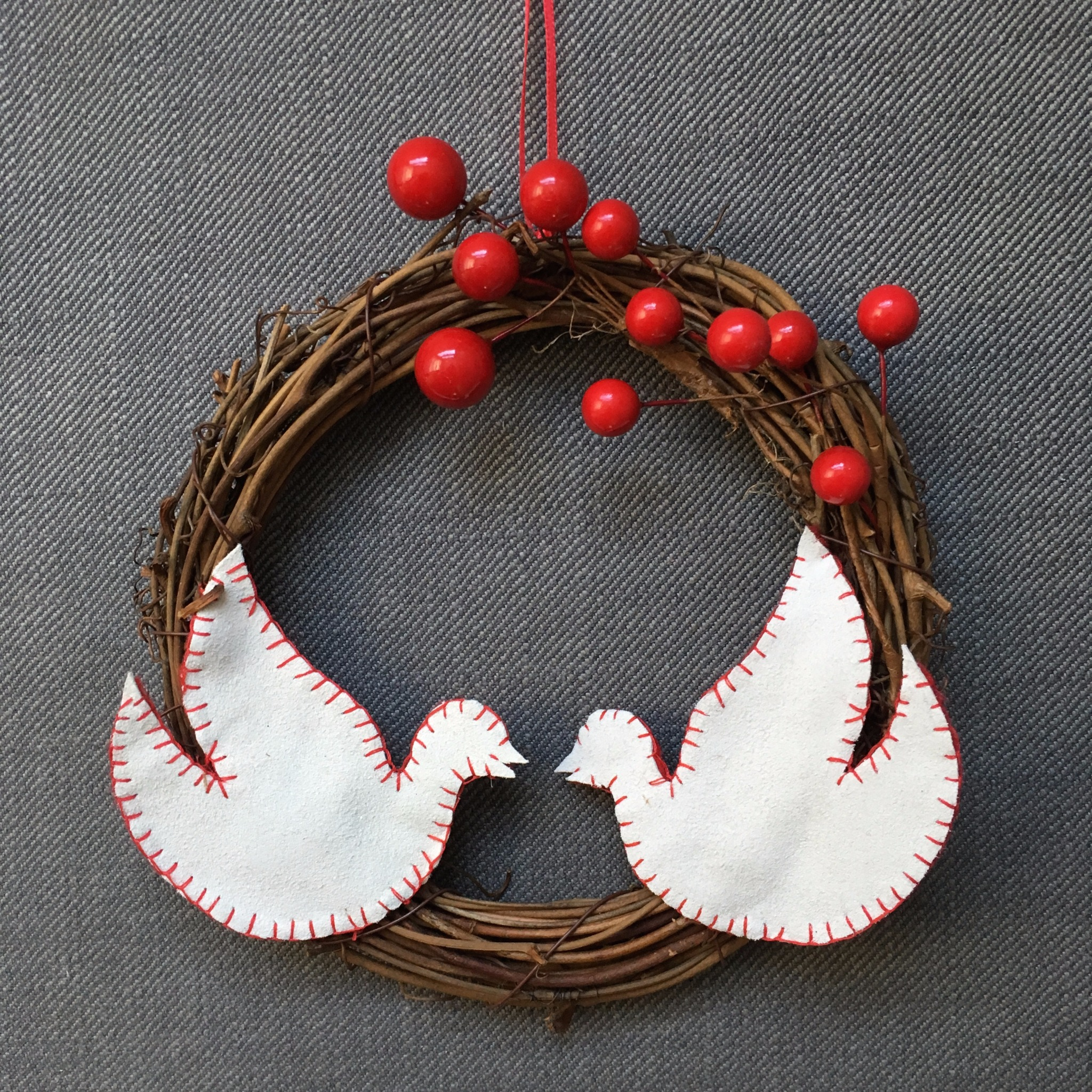 Dove with Berries Wreath Kit