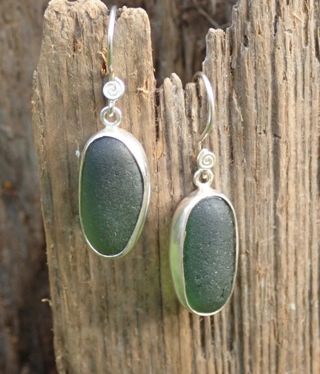 ES44 Eco-silver Sea Glass Earrings from Seaham in Forest Green Sea Glass
