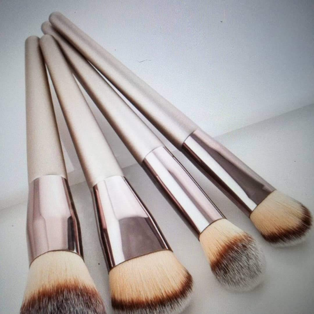 4 pcs Makeup Brushes