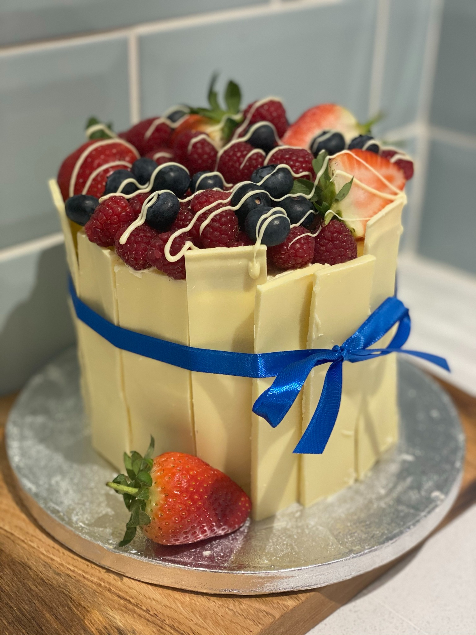 Mother's Day Special- White Chocolate Fruit Shard Cake