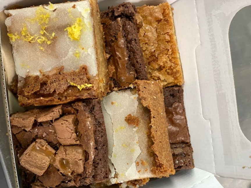 17/07 - Mixed Brownie Box (6 large pc)