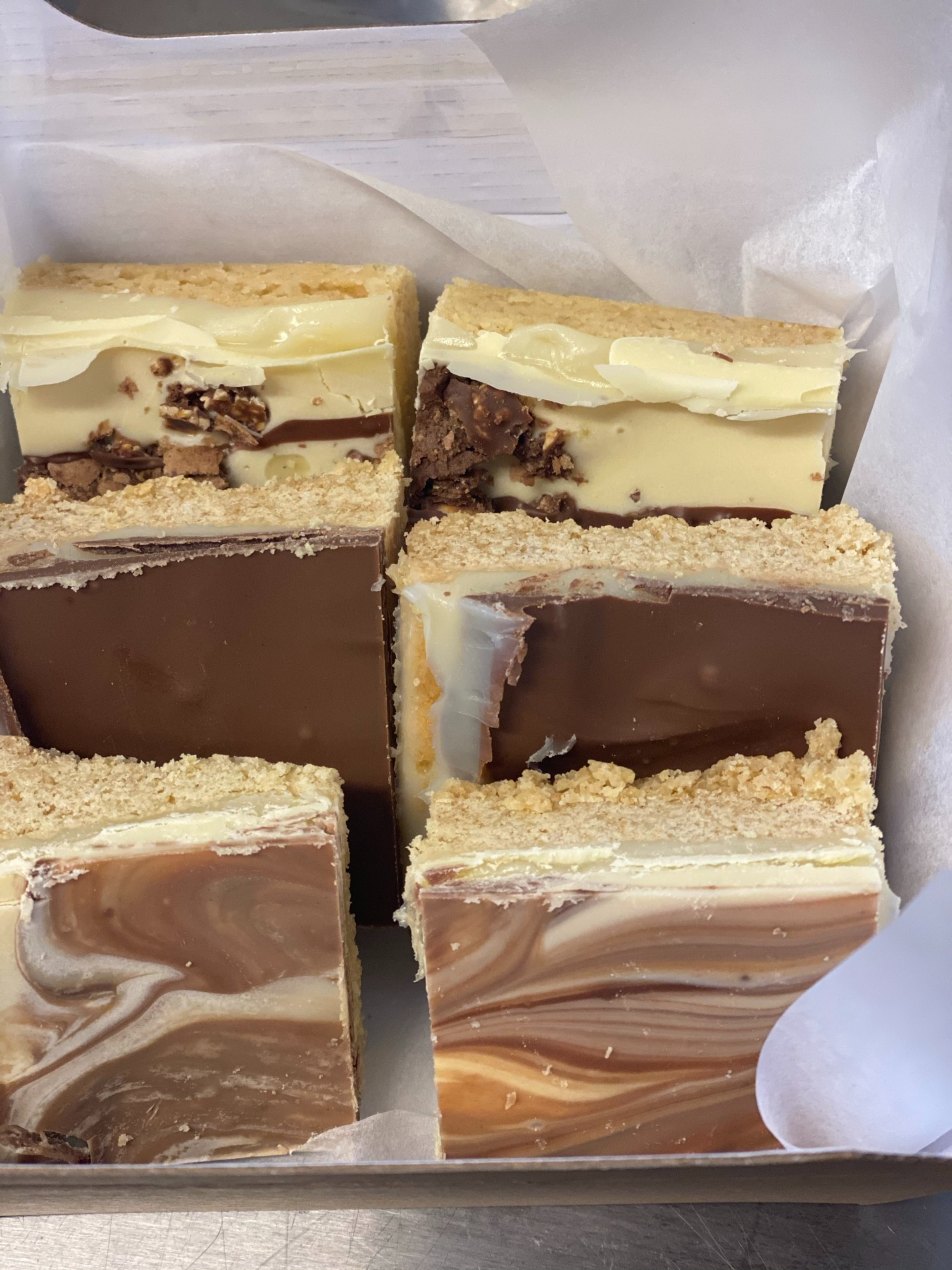 23/02 - Mixed Caramel Shortbread Box (6pc)
