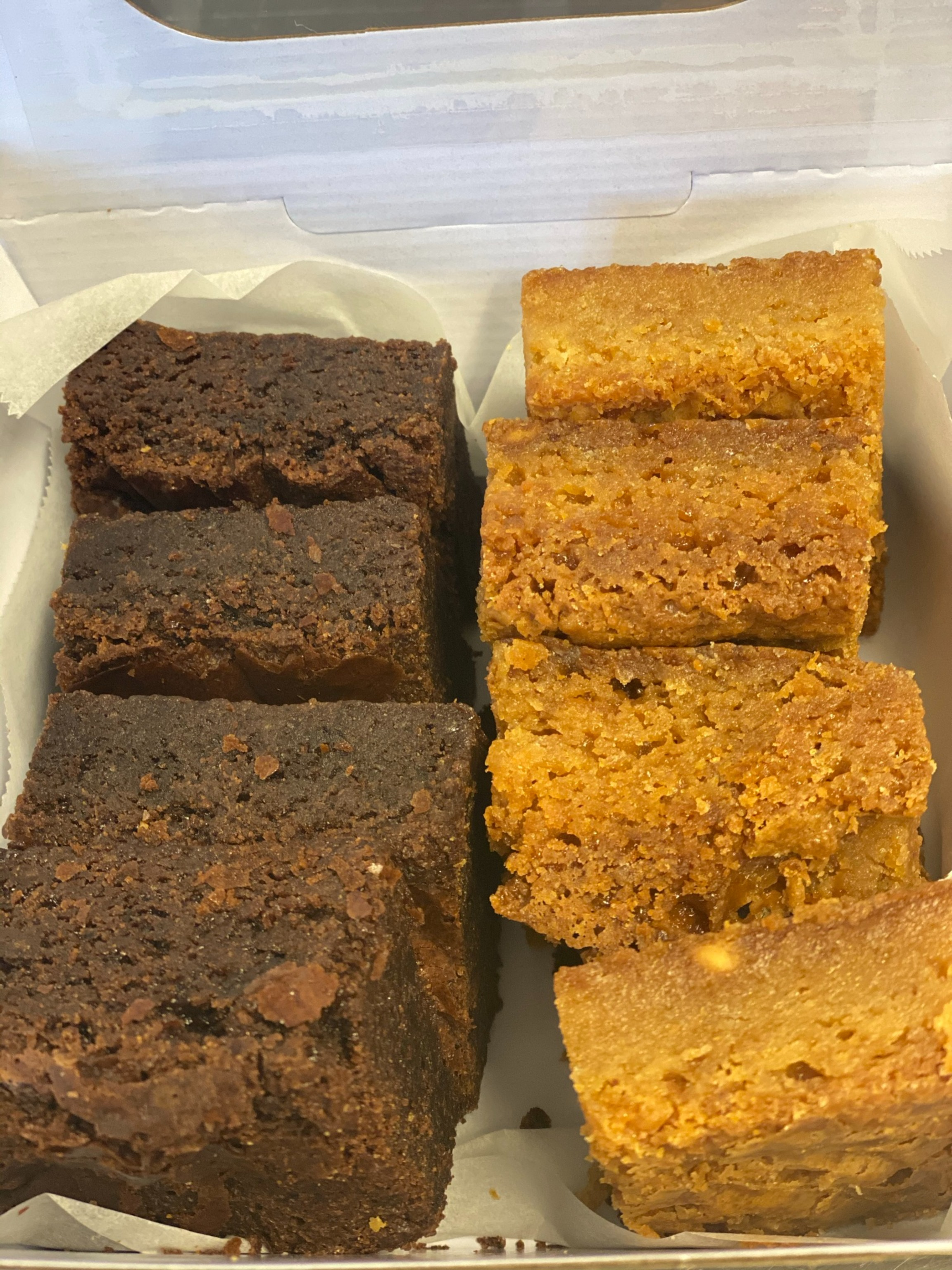 23/02 - Mixed Brownies and Blondies 8pc