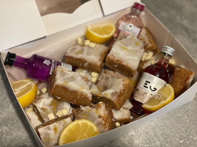 FATHERS DAY - Lemon Blondie and Gin Minatures Box