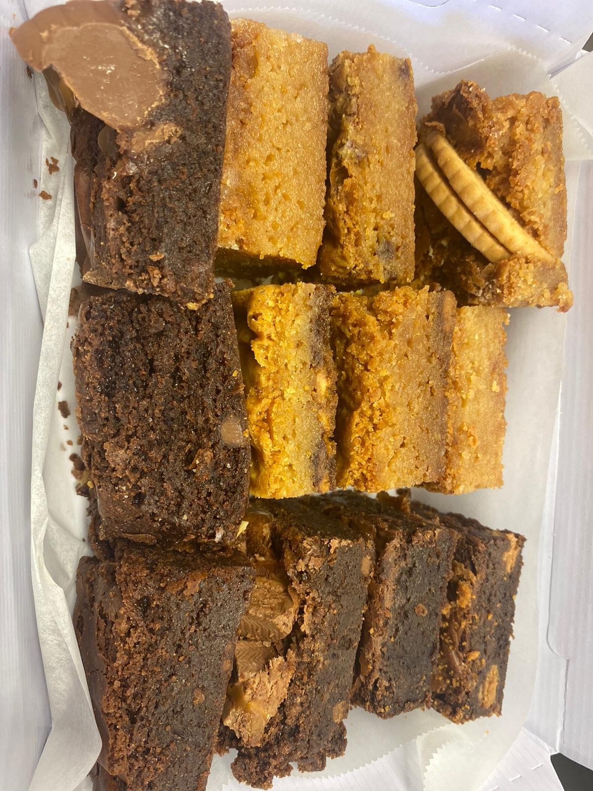 27.02- Mixed 12pc Brownie/Blondie Selections