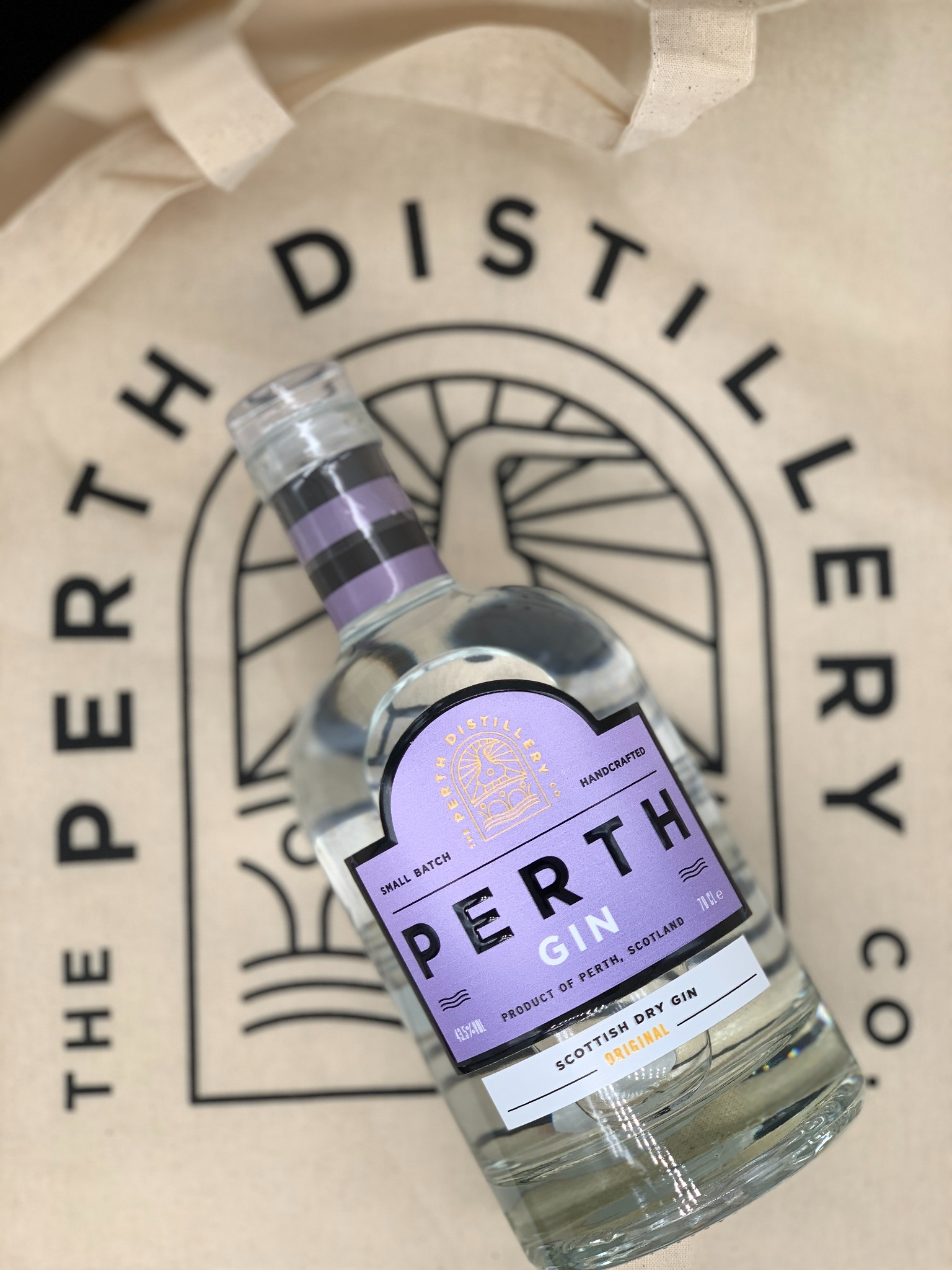 Perth Gin Original 70cl - MOTHERS DAY - Delivery FRIDAY 12th March 2021