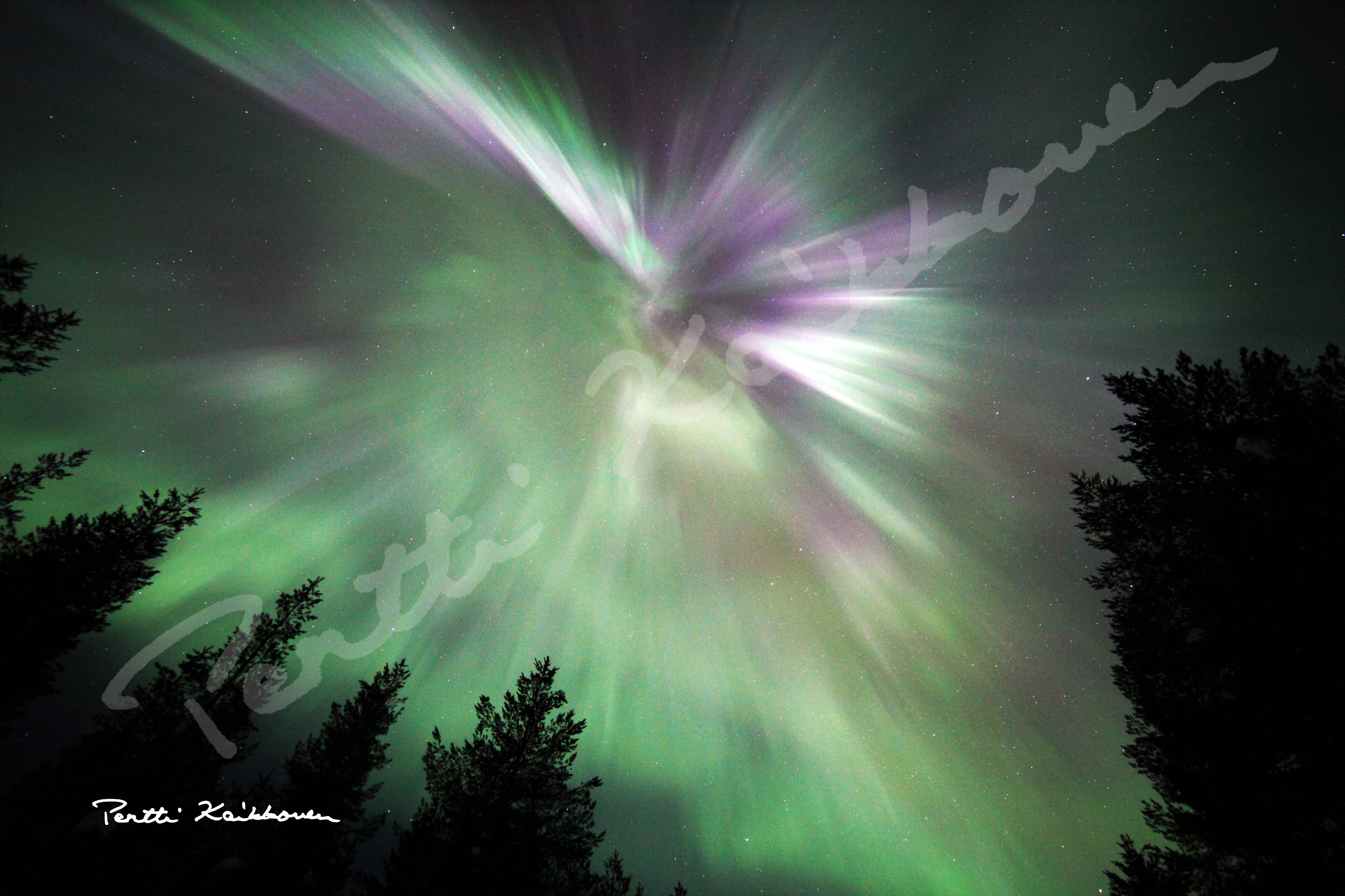 02. Revontulikruunu - Aurora Borealis Crown, kuvatiedostot - digital picture files