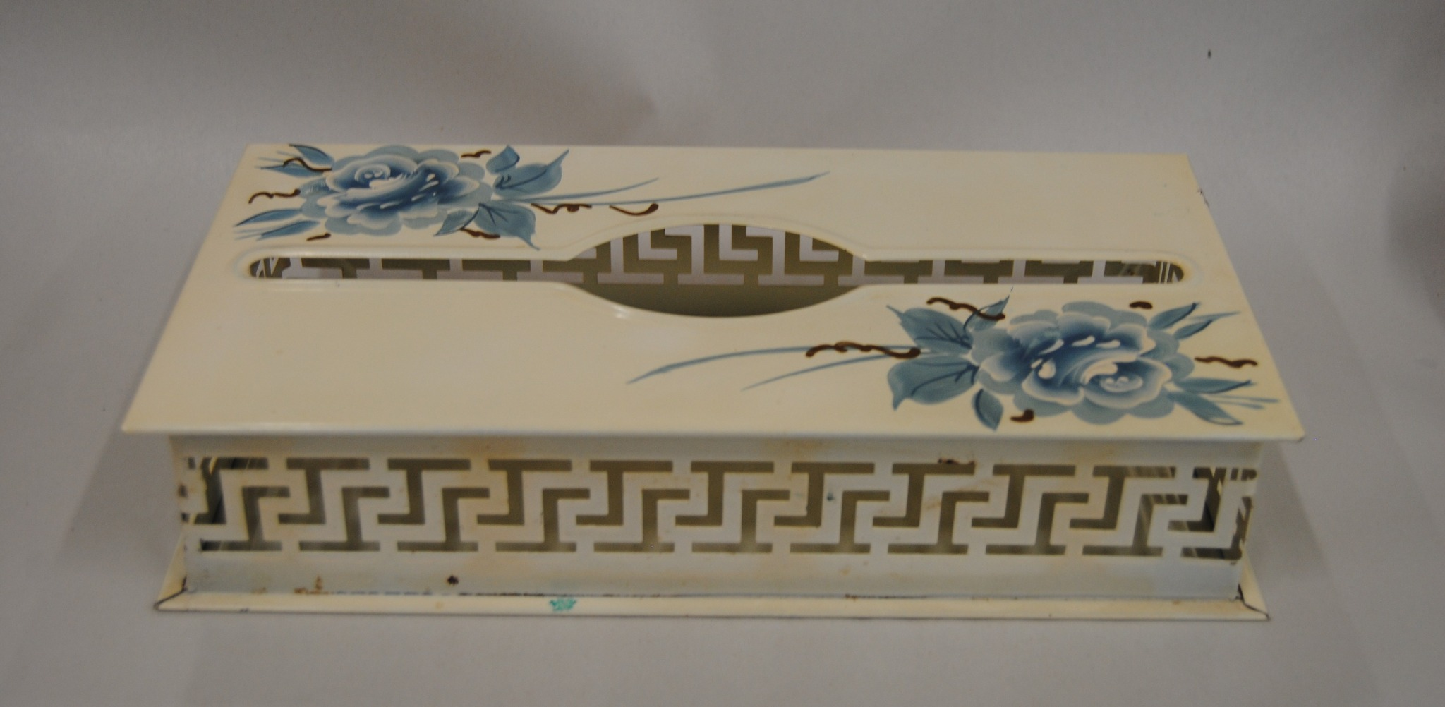 Tole Tissue Box Holder Hand Painted Flowers Wall Mount (K)