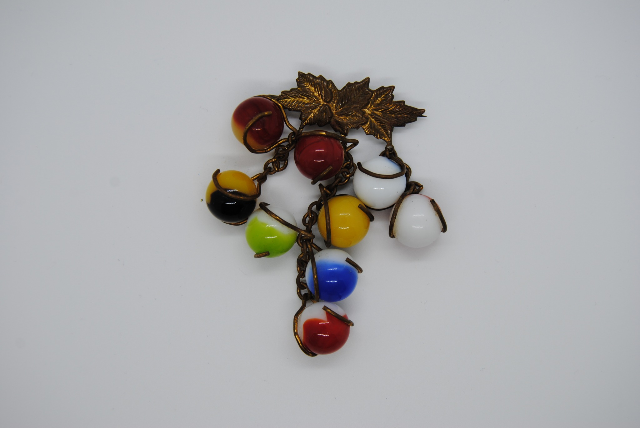C Clasp Brooch/Pin with Agate Marble Grapes Unusual  (V)