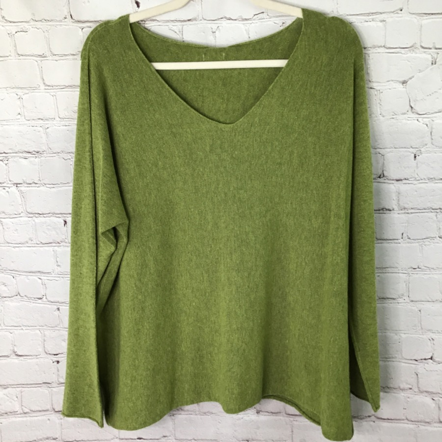 Plain soft cashmere mix v neck jumper