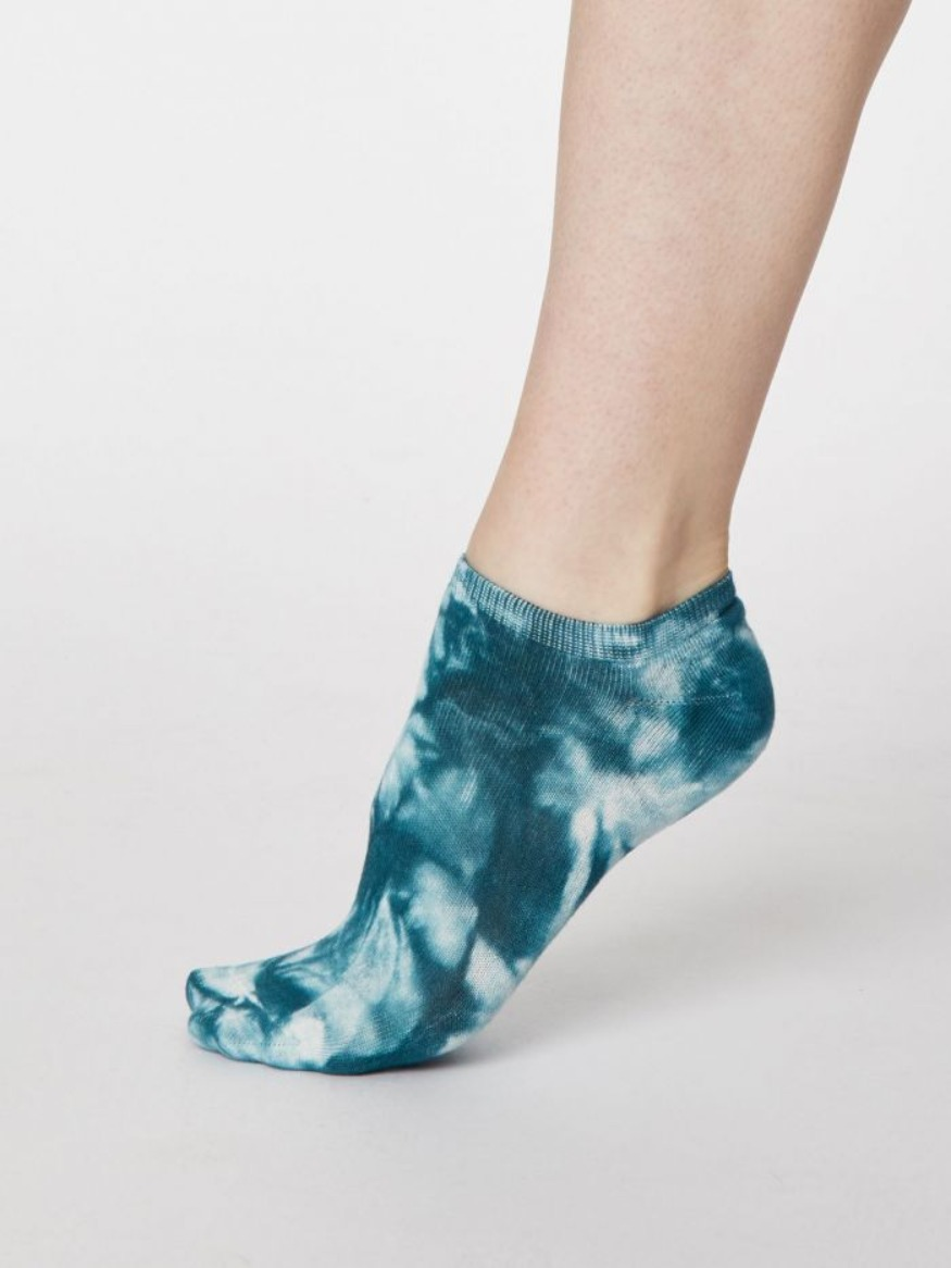Thought Bamboo tie dye trainer socks