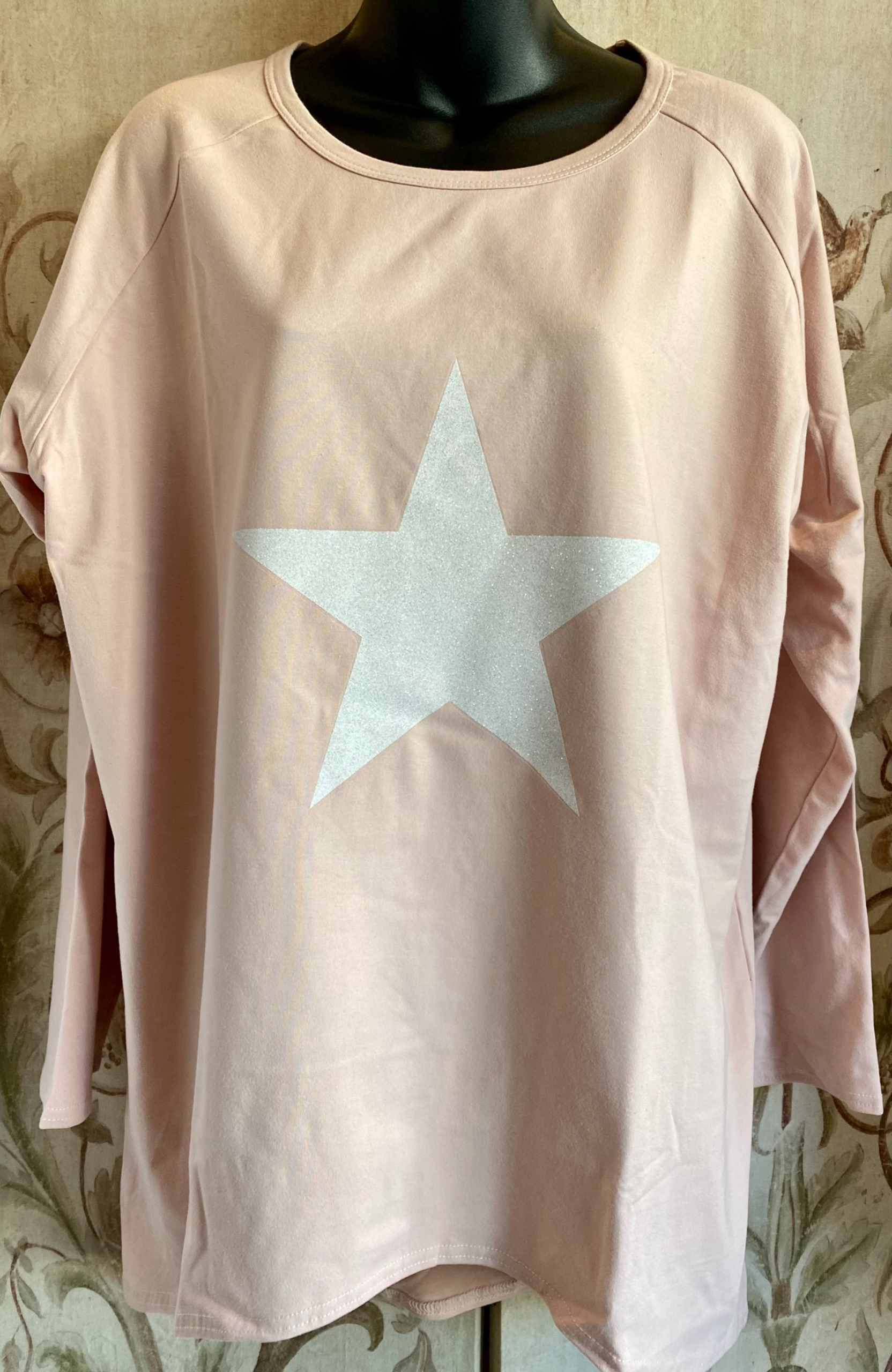 Chalk pink star top