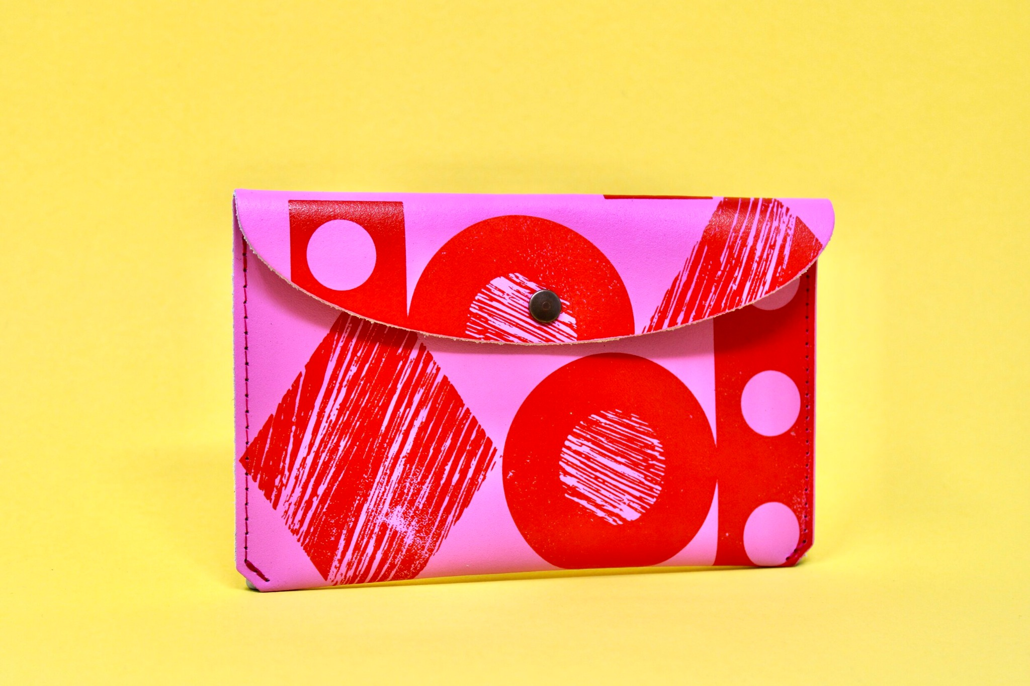 'Throw some shapes' leather purse Pink/Red