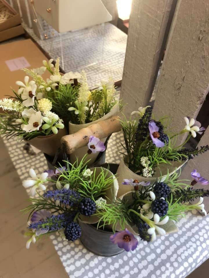 Just Jules Small Flower Posy