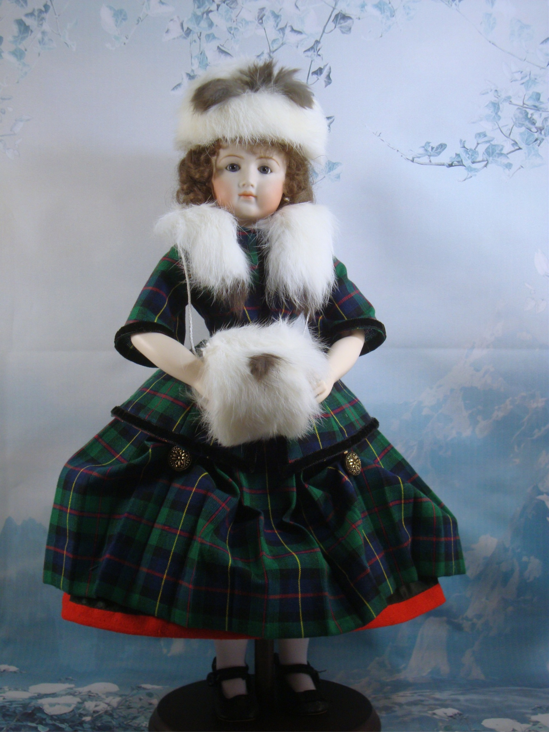 Scottish Outfit for 12.5