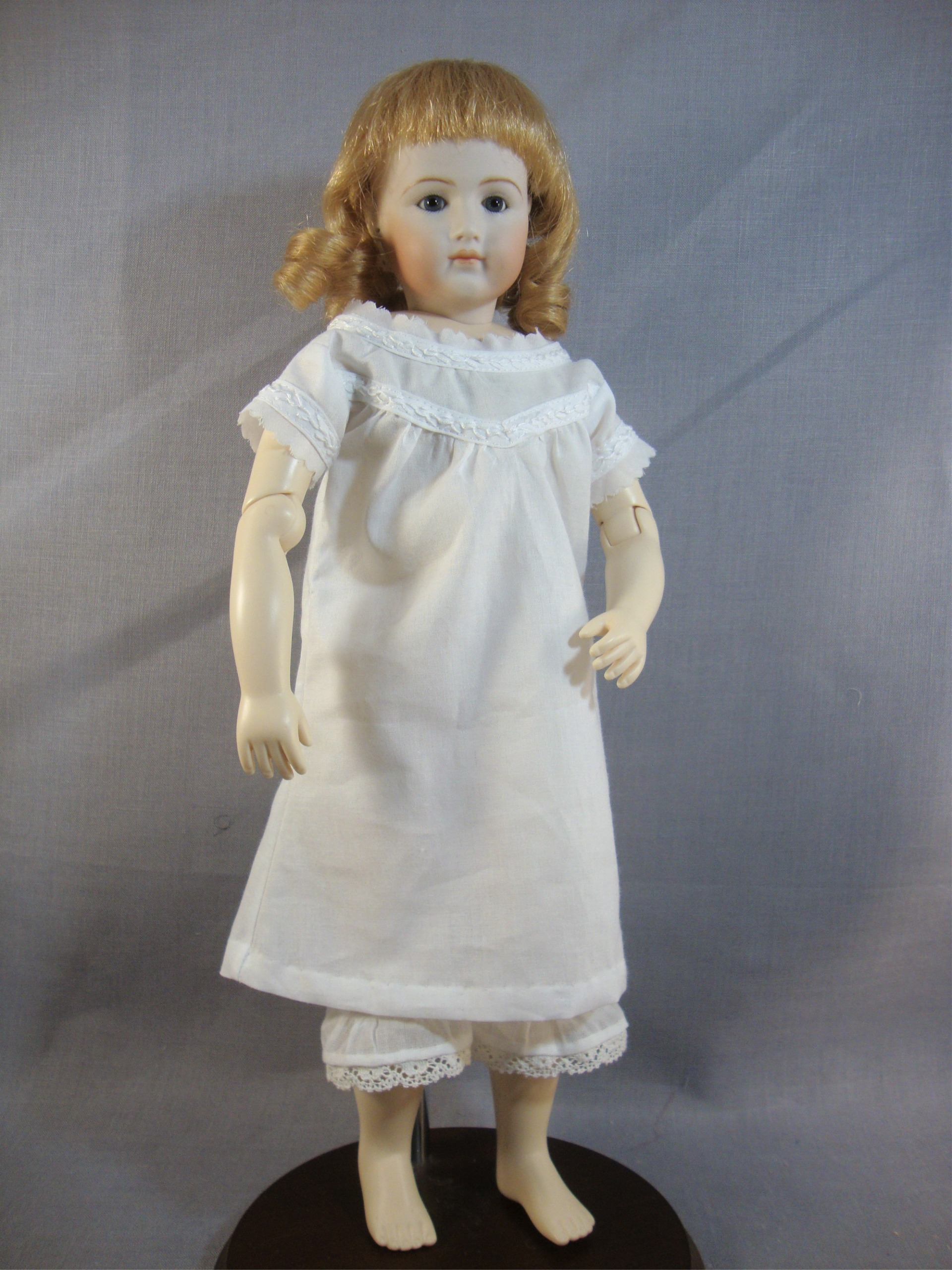 "Nightgown & Chemise for 12.5"" Jointed Body"