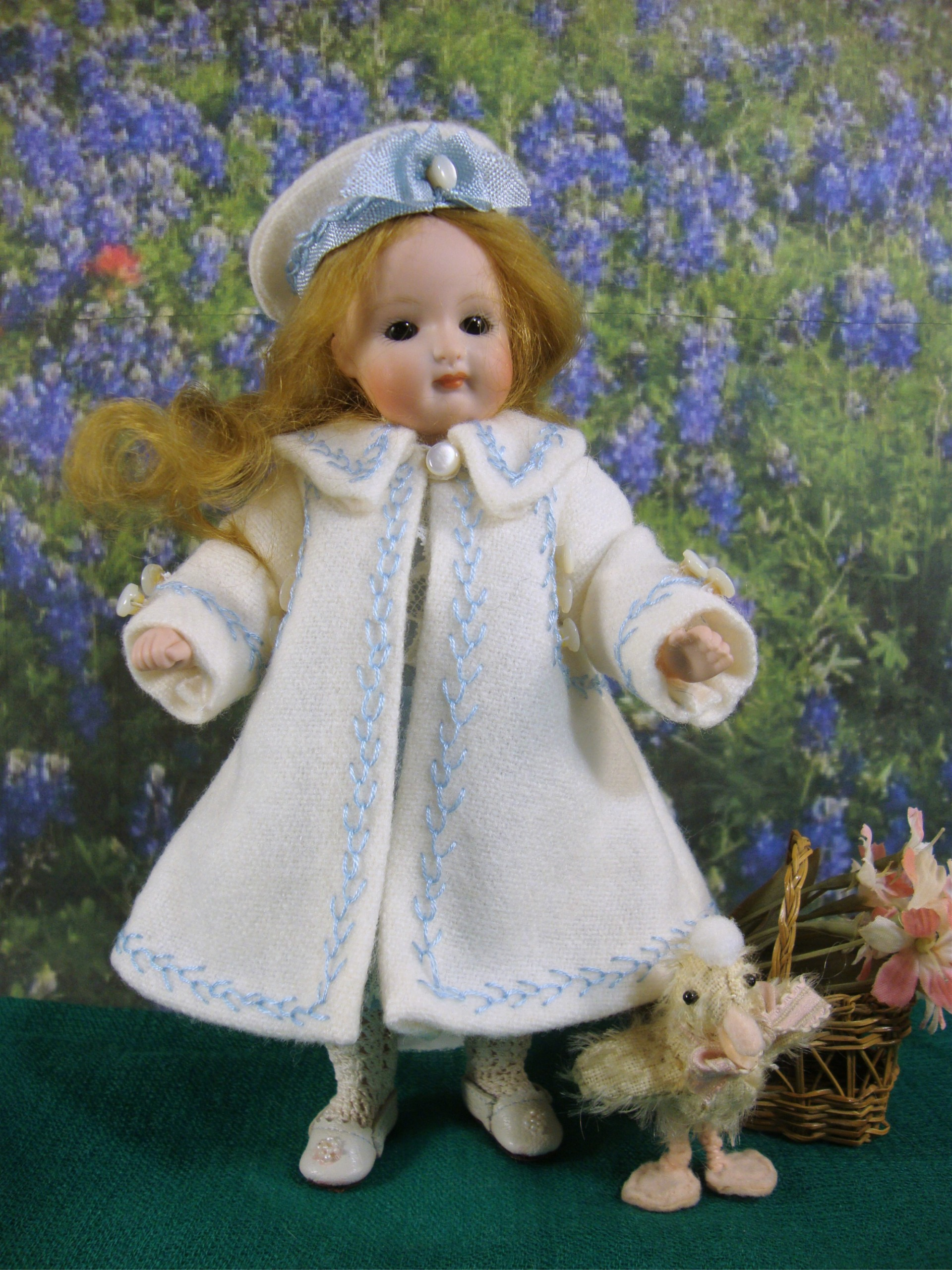"""Coat and Hat Pattern for 7 1/4"""" All Bisque"""