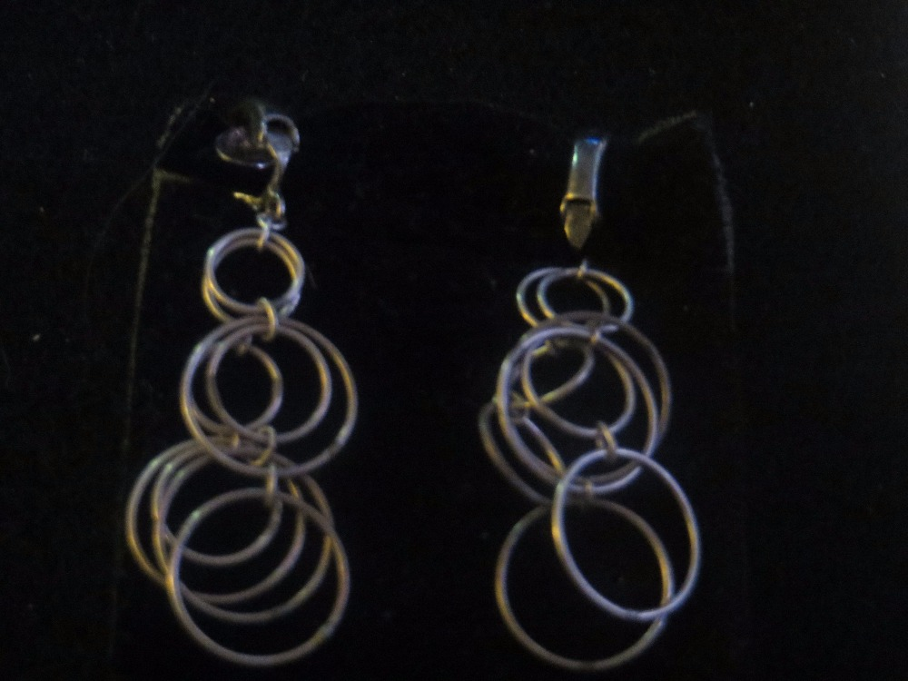 Ultra Rare Vintage Dangle Screw Earrings