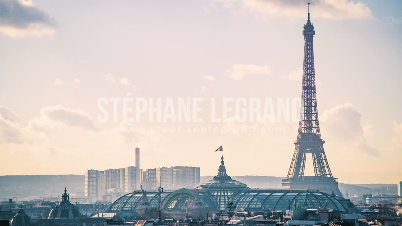 Paris, France, Timelapse  - The Eiffel Tower and the Grand Palais