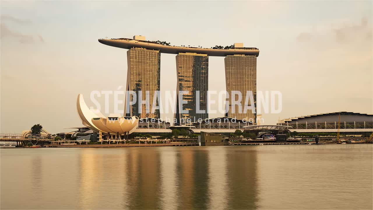 Singapore | The Marina Bay Sands from Day to Night