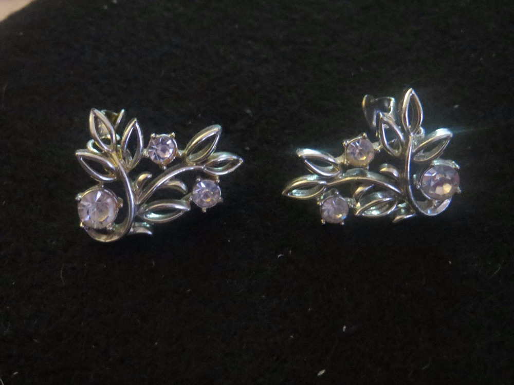 Vintage Rhinestone Leaves Clip Earrings