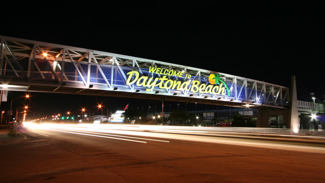Daytona Beach Welcome (Time-Lapse)