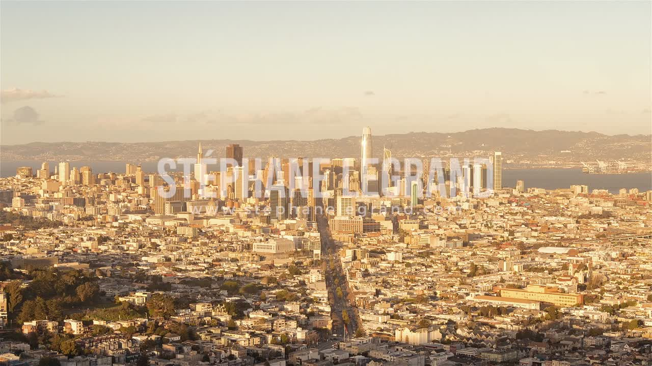 San Francisco | The Skyline from day to night as seen fromTwin Peak