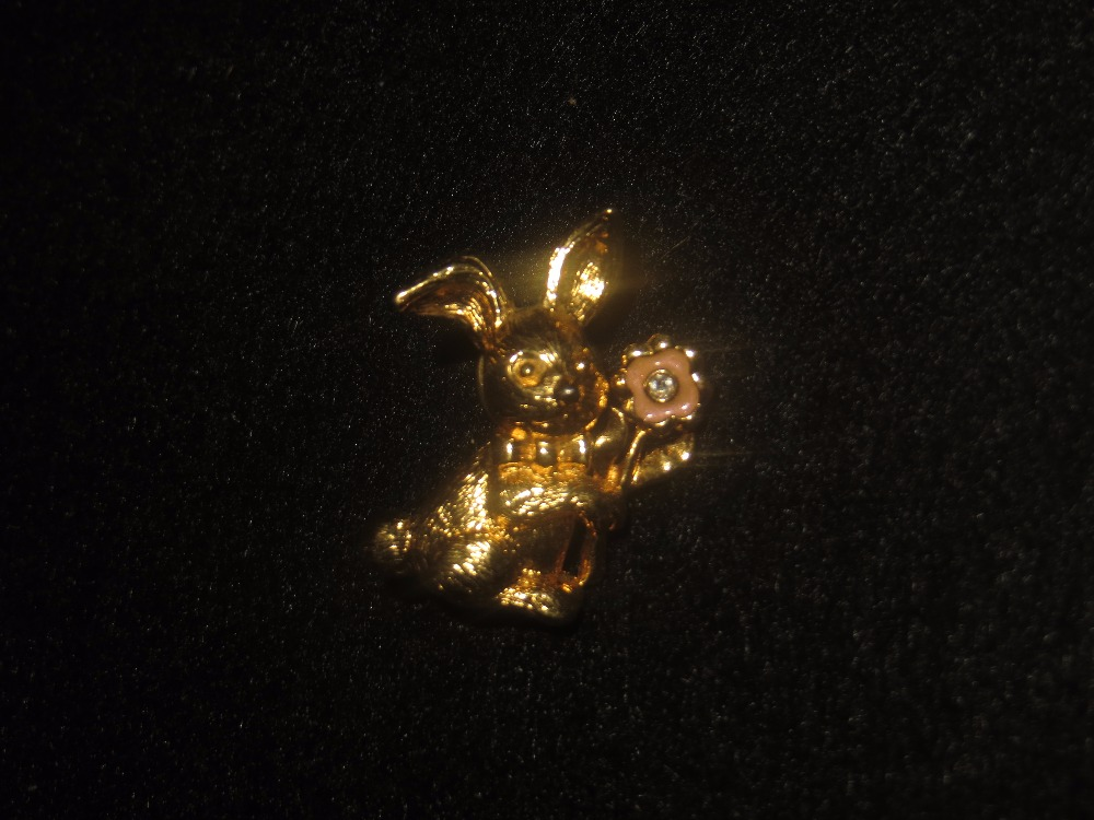 Goldtone Easter Bunny Pin