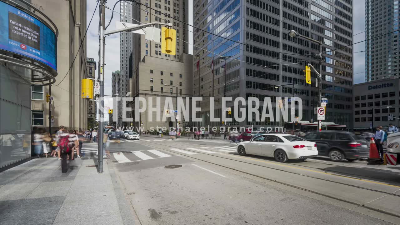 Toronto, Canada - Timelapse  - Bay and King Street