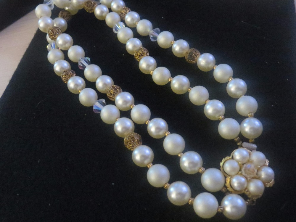Vintage Pearl Clasp Double Necklace