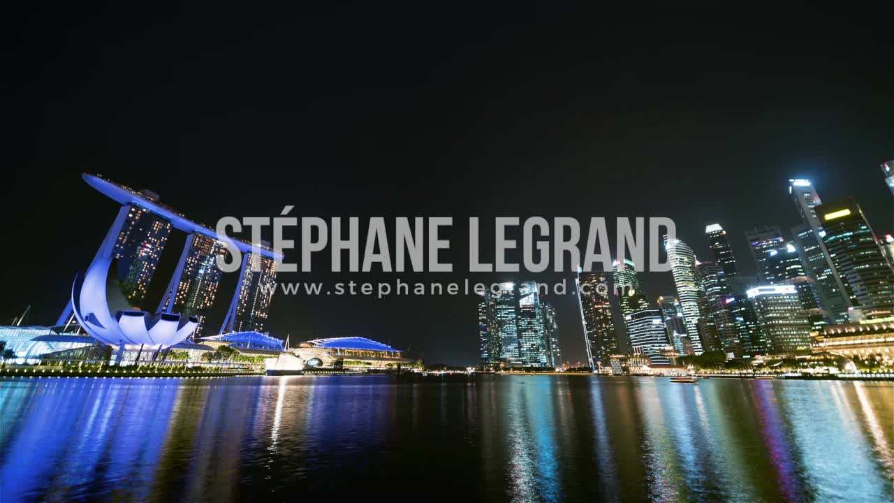 Singapore | The skyline at night (wide angle view)