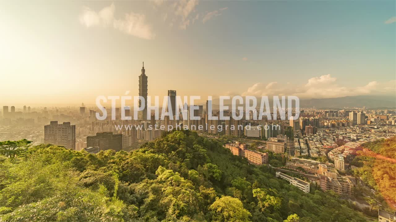 Taiwan | Wide Angle view of Taipei's downtown from day to night